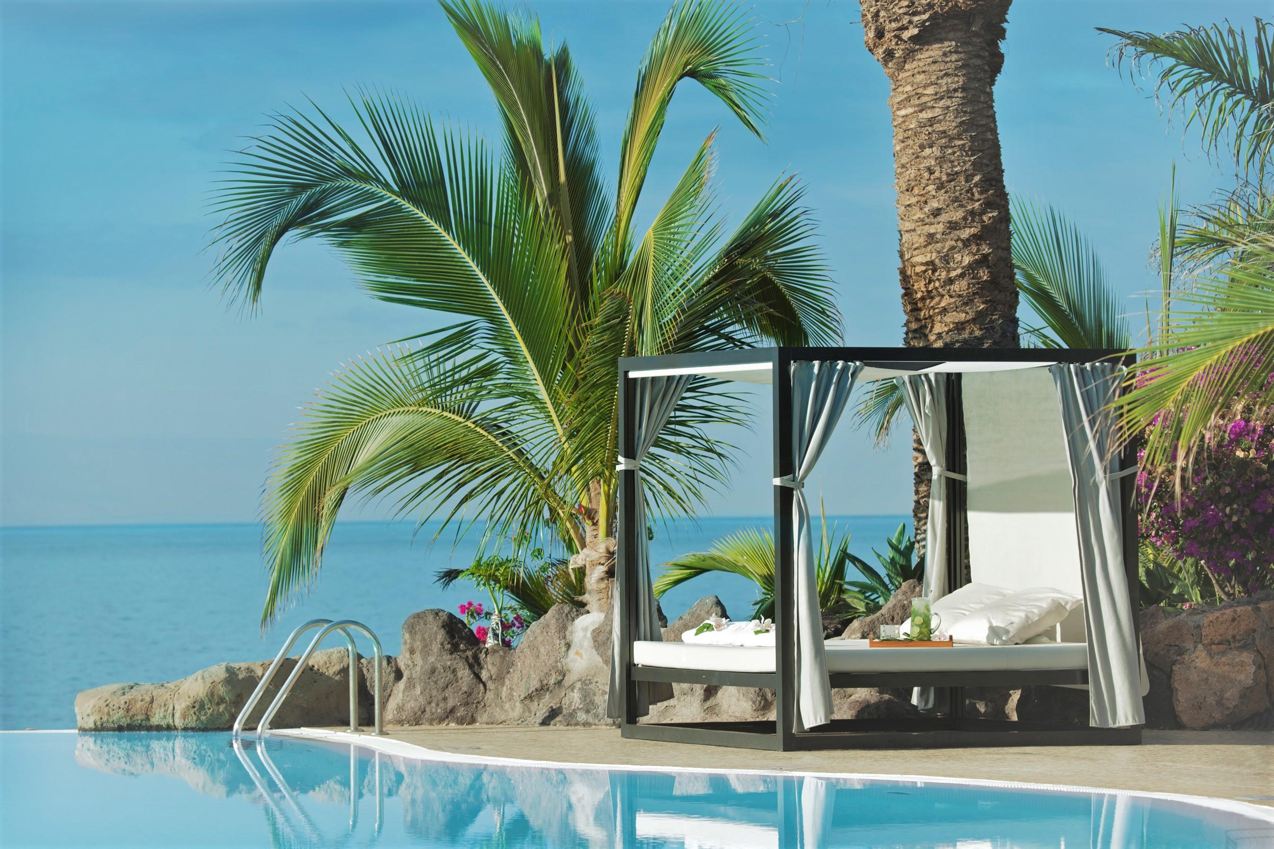 Hotel Roca Nivaria 5*