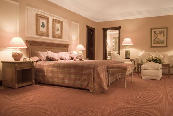 B_173_royal_suite_master_bedroom